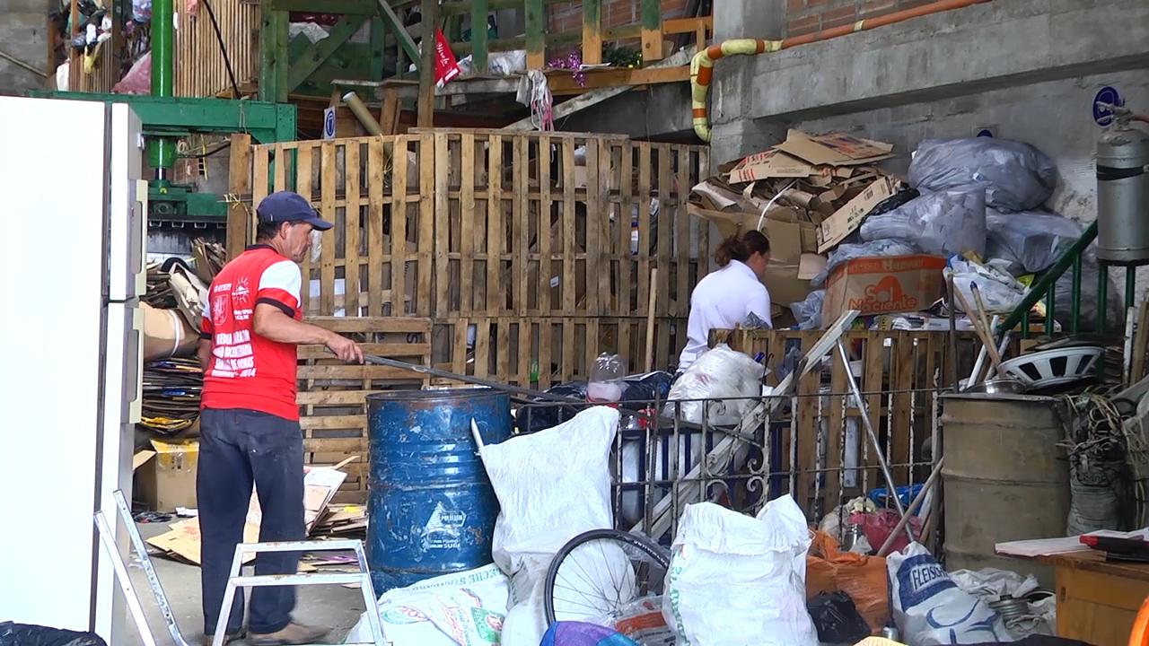 Photo of En el Oriente Antioqueño se trabaja por la regulación de los derechos de los recicladores