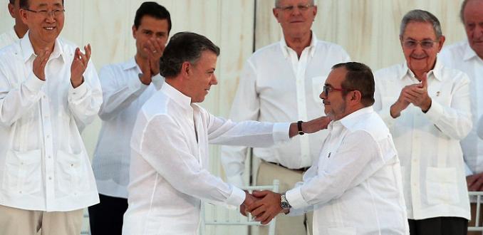 Photo of Las opciones para la paz con las Farc son Renegociación o Asamblea Constituyente.