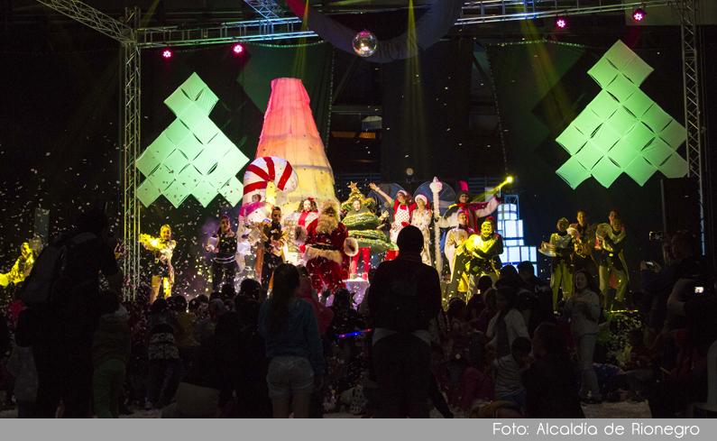 """Photo of Con gran éxito se realizó en Rionegro el espectáculo """"Hechizo de Navidad"""""""