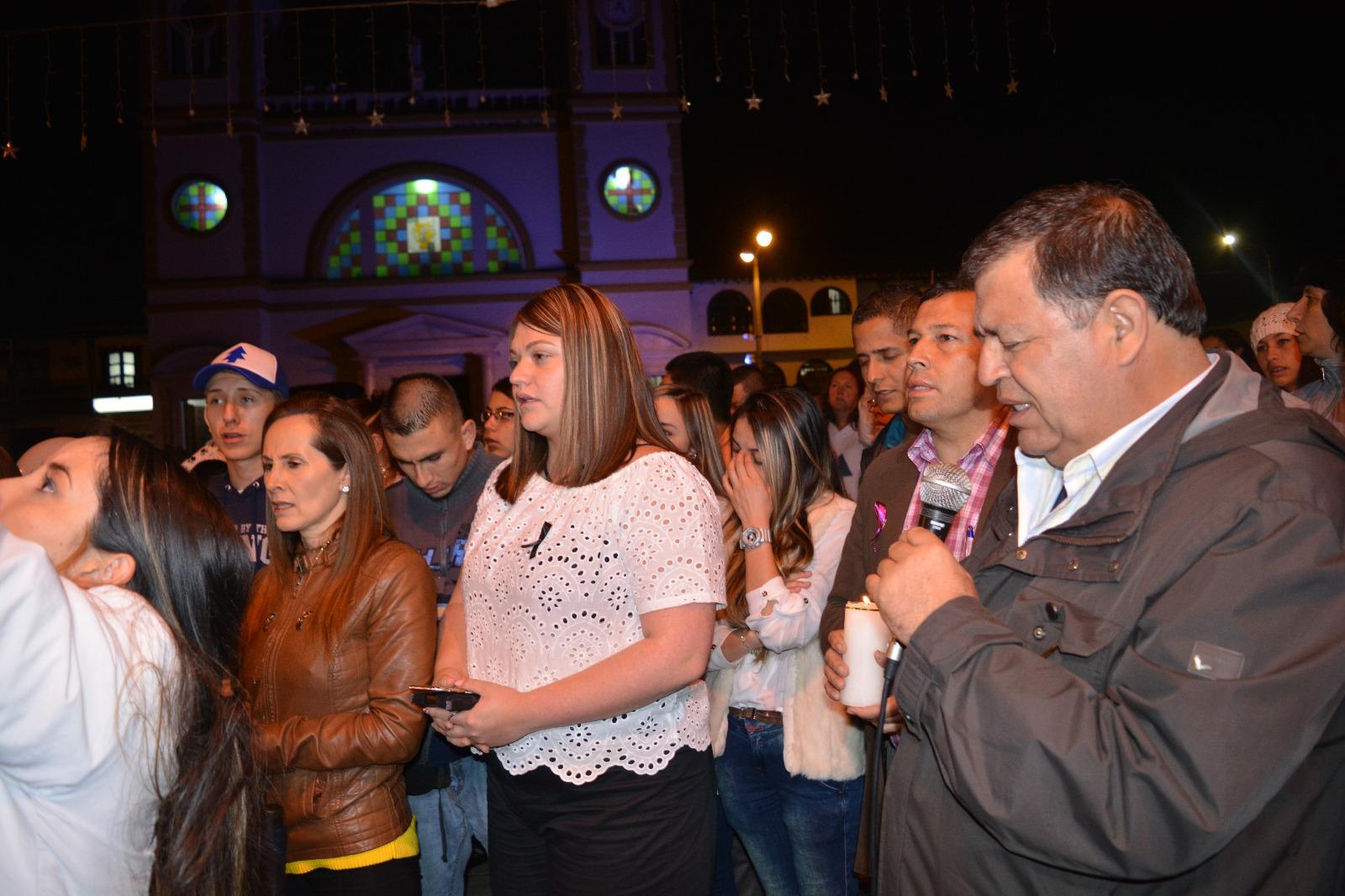 Photo of Sentidos homenajes en Antioquia a las víctimas de Chapecoense