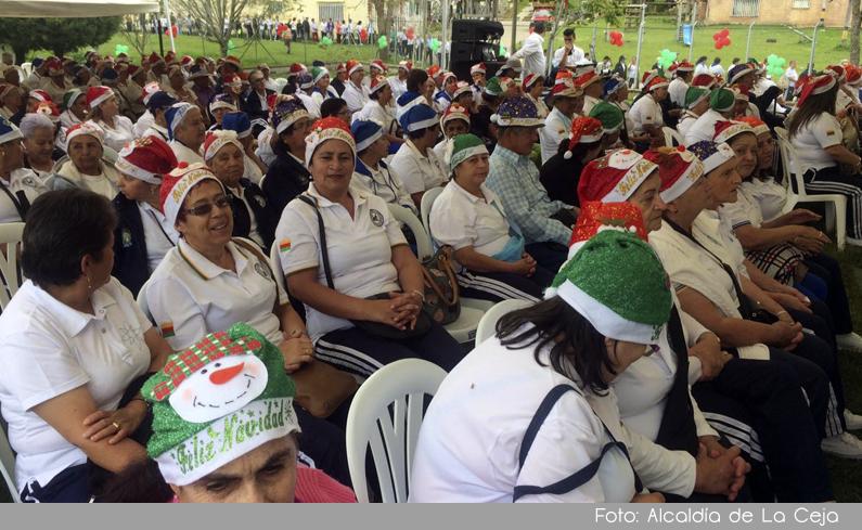Photo of 1500 adultos mayores se beneficiaron de programas sociales ofrecidos por la alcaldía de La Ceja en el 2016