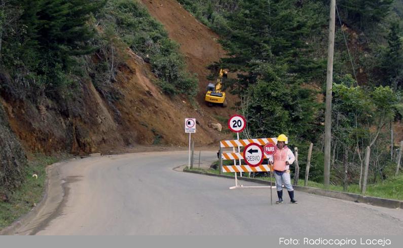 Photo of Gobernación de Antioquia anunció que pavimentará este año los 3.8 km restantes en la vía que comunica a La Ceja con Abejorral