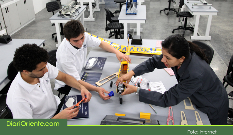 Photo of La UdeA seccional Oriente es la primera en el país en ofrecer Ingeniería Aeroespacial.