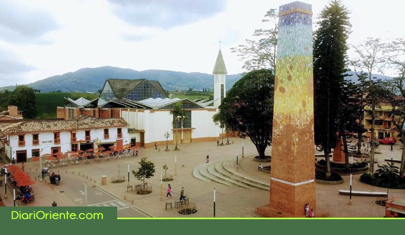 Photo of El parque principal de El Carmen de Viboral ya tiene WiFi gratis