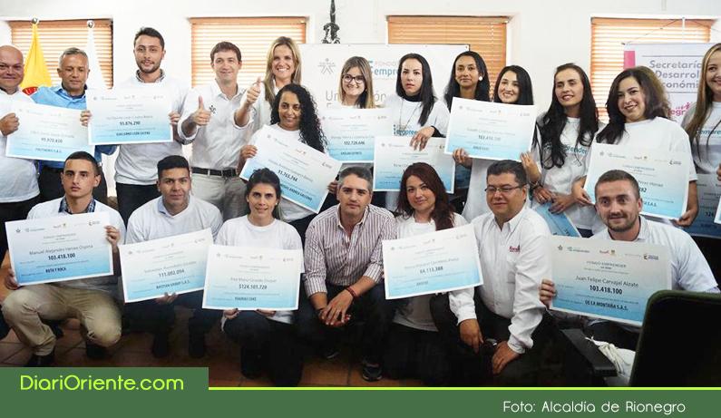 Photo of Alcaldía de Rionegro y el SENA entregaron $1.800 millones para apoyar 17 nuevas ideas de negocio