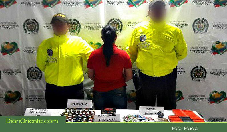 Photo of Fue capturada una mujer que comercializaba estupefacientes a jóvenes en una licorera de Rionegro