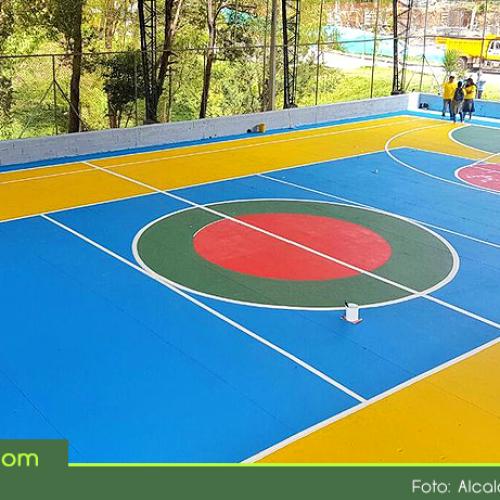 Rionegro a Color entregó la primera de más de 50 canchas polideportivas que serán transformadas