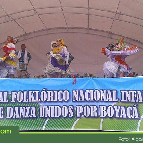 El grupo Perla Verde de San Luis, participó con gran éxito en el Festival Nacional Folklórico Infantil de Danza