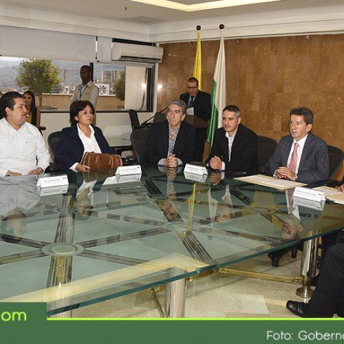 Gobernación y Alcaldía firmaron convenio para pavimentar 100 kilómetros en 13 veredas de Rionegro