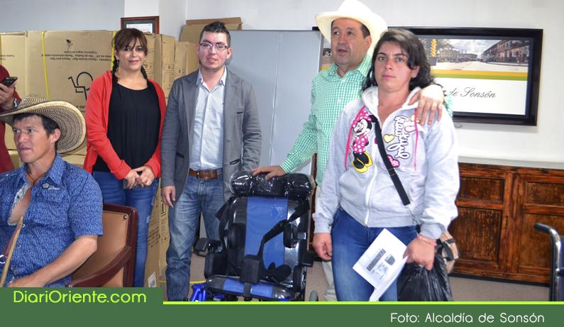 Photo of Entregan ayudas técnicas a personas en condición de discapacidad en Sonsón
