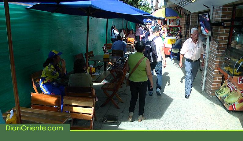 Photo of Comerciantes han visto disminuidas sus ventas por demoras en la remodelación del parque principal de Rionegro