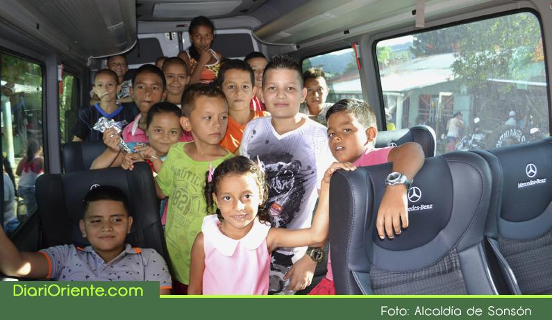 Photo of Niños de zonas rurales de Sonsón ya tienen transporte escolar