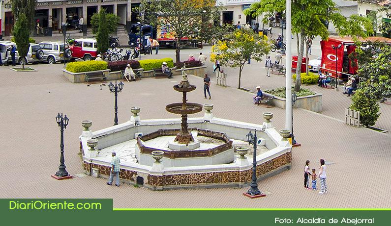Photo of Será restaurada la fuente del parque principal de Abejorral, que tiene más de 120 años de historia.