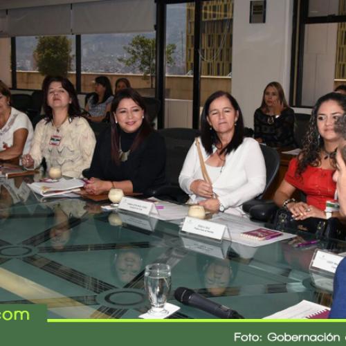Concejalas se reúnen con el Gobernador en busca del desarrollo de la región con equidad de género