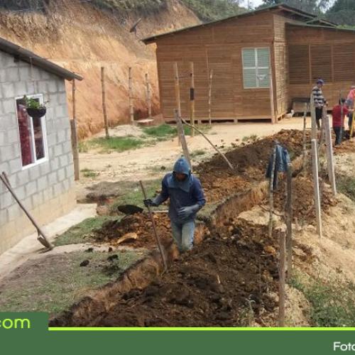 Acueducto y alcantarillado para viviendas del sector la feria del municipio de San Vicente Ferrer.
