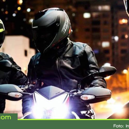 Por nueva norma motociclistas en Colombia deberán cambiar sus cascos