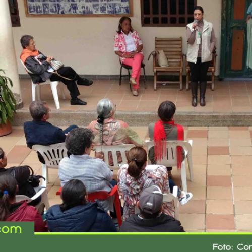 """En El Santuario, Cornare certificó 22 personas como """"Guardianes del Agua"""""""