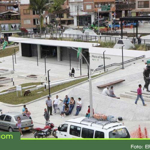 EPM entregó en El Peñol el parque Plaza El Tomatero, un espacio para estimular la economía y el turismo