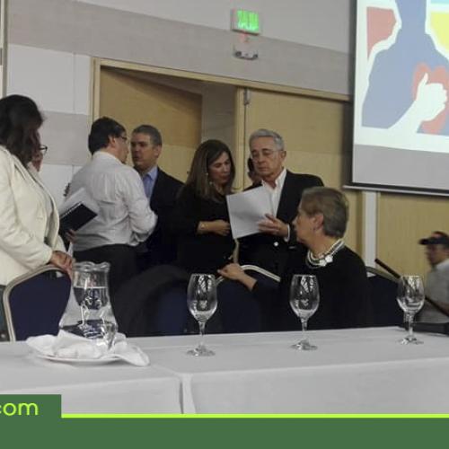 En evento del Centro Democrático que se realizó en Rionegro, presentador confundió a Iván Duque con Iván Márquez.