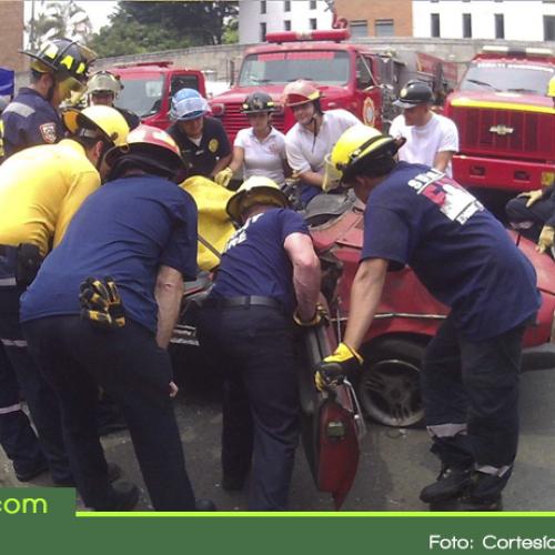 Continúan en paro bomberos del municipio de San Luis
