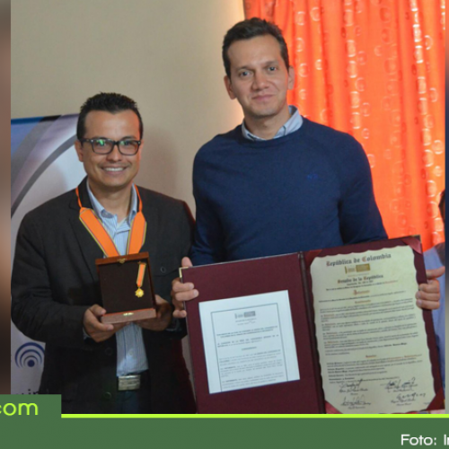 Inforiente, primer periódico digital de Antioquia condecorado por el Senado