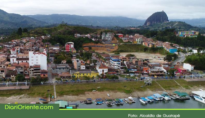 Photo of Autoridades avanzan en la regularización de alojamientos ilegales en Guatapé