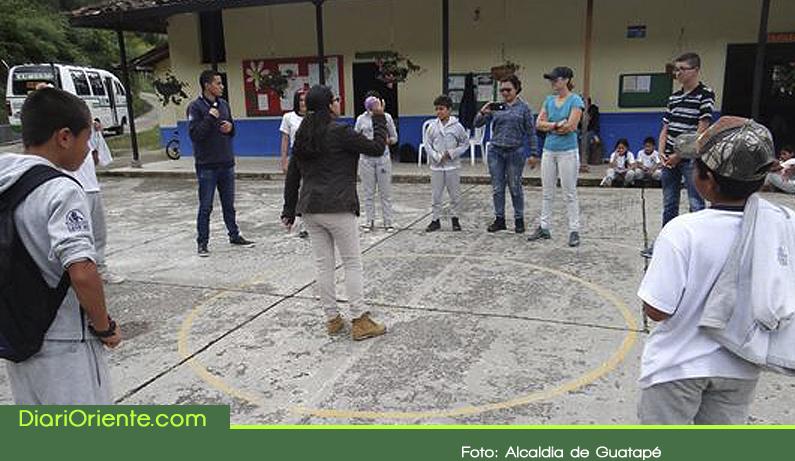 """Photo of En Guatapé se incentiva el liderazgo en los jóvenes con el proyecto """"Jóvenes al Aire"""""""
