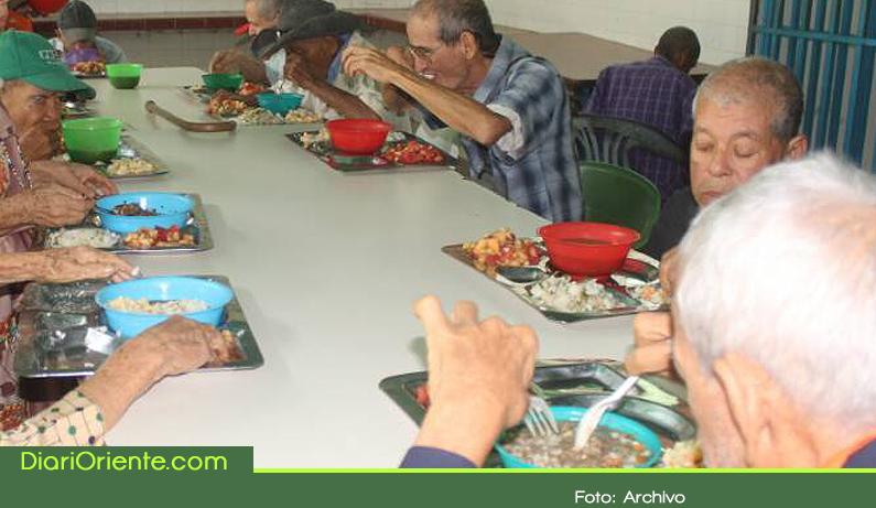 Photo of En la Ceja, adultos mayores vulnerables reciben alimentación gratuita