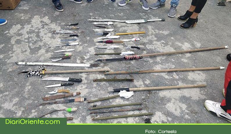 Photo of Reclusos de Rionegro entregaron armas voluntariamente