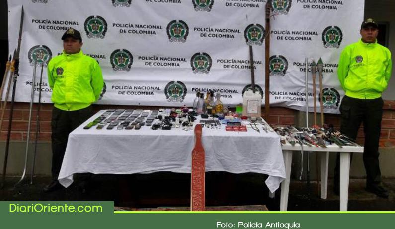 Photo of Celulares, bombas incendiarias y 300 armas blancas encontraron en el centro de reclusión de Rionegro