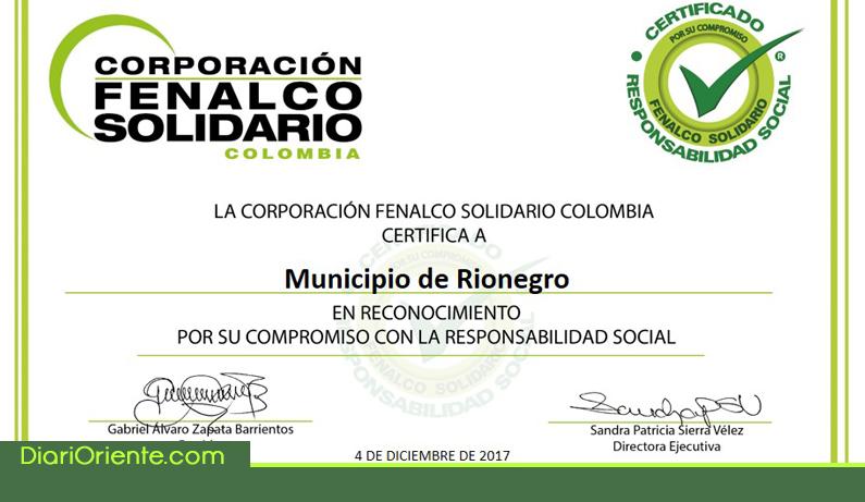 Photo of Fenalco Solidario entregó a la alcaldía de Rionegro Certificado de Responsabilidad