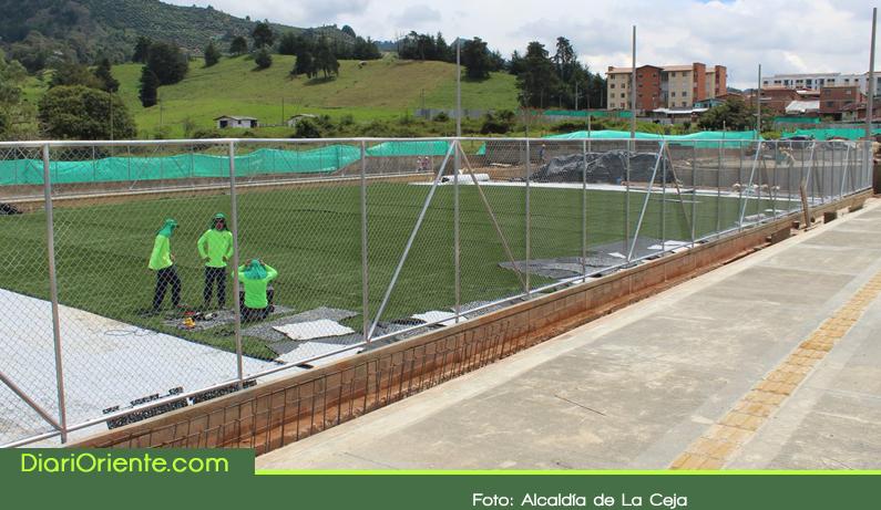 Photo of Con una inversión de $5.832 millones se construye la segunda unidad deportiva de La Ceja