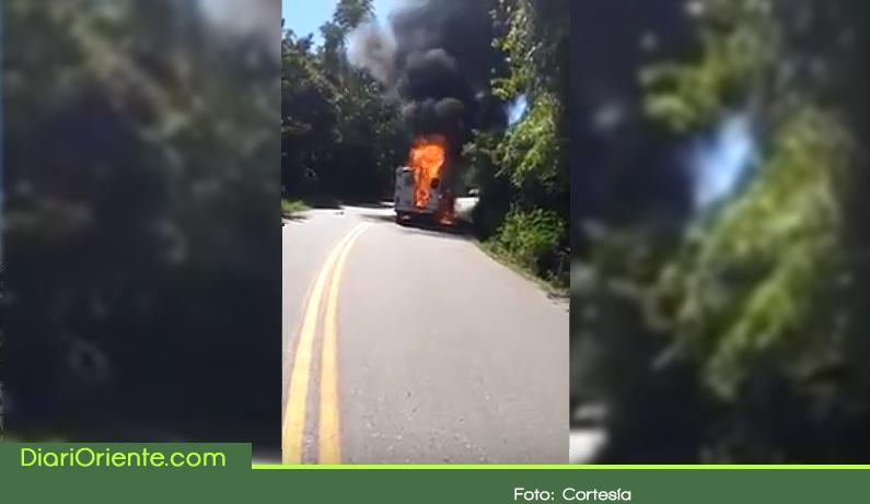 Photo of Se incendió ambulancia en la vía San Carlos y San Rafael