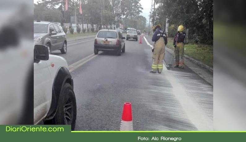 Photo of Mancha de aceite en vías de Rionegro dejó 24 lesionados
