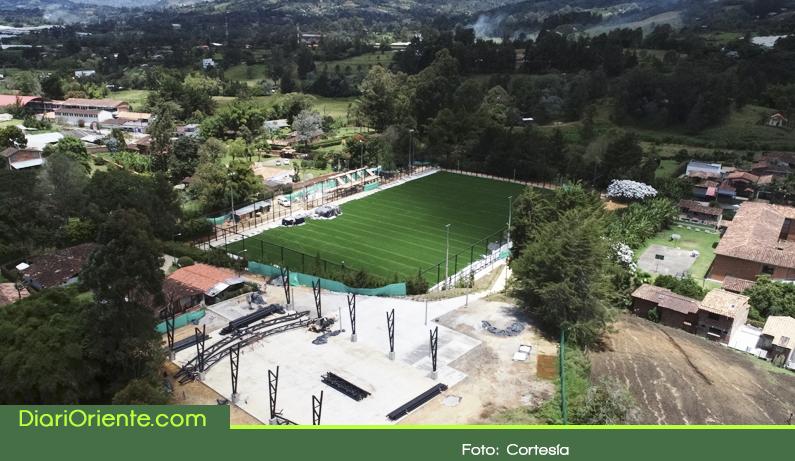 Photo of Avanza la construcción de la nueva unidad deportiva en la vereda El Tablazo