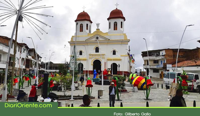 Photo of Entregan remodelación del parque principal de San Vicente