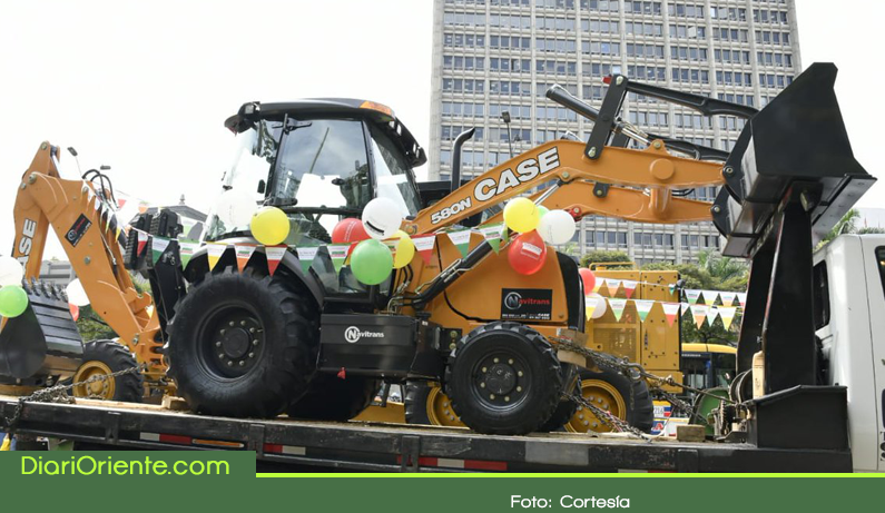 Photo of 10 municipios del Oriente se benefician con la entrega de maquinaria pesada