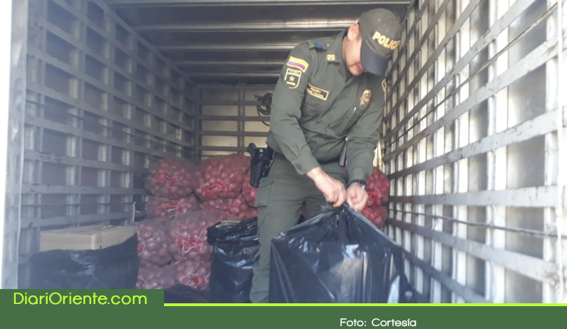 Photo of Decomisan 2500 cajetillas de cigarrillos de contrabando en la vía Sonsón – La Unión