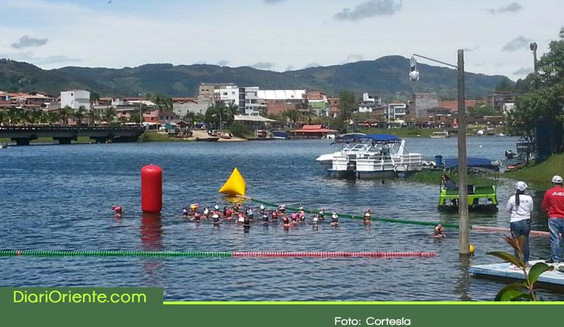 Photo of En Guatapé se realiza el Campeonato Nacional de Aguas Abiertas