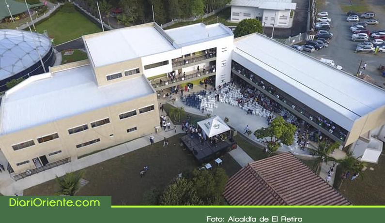 Photo of Entregan moderno colegio en el municipio de El Retiro