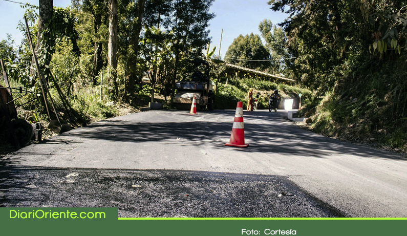 Photo of $43 mil millones para vías del Oriente y de Antioquia