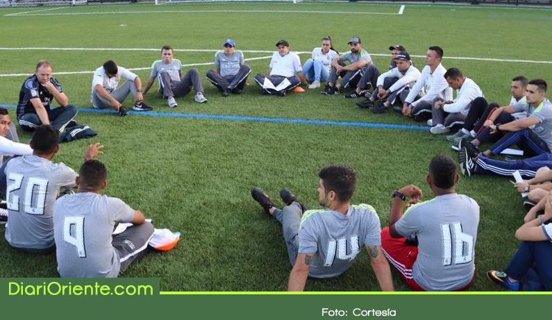 Photo of Entrenadores de fútbol fueron certificados por la Fundación Real Madrid