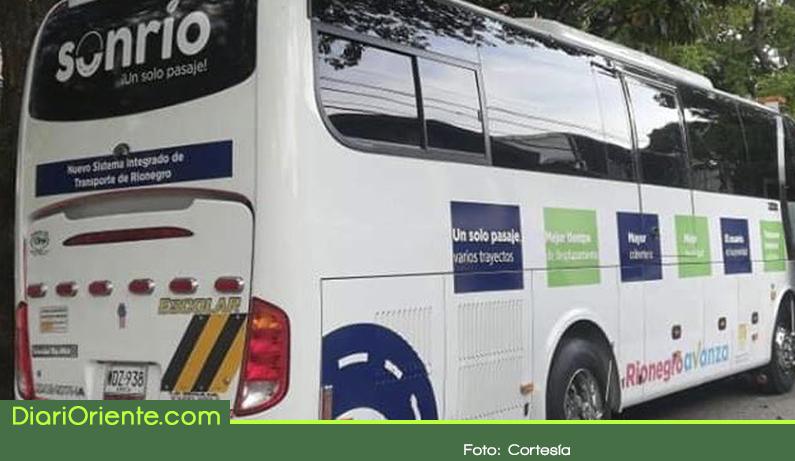 Photo of Con un bus inicia etapa pedagógica de Sonrío