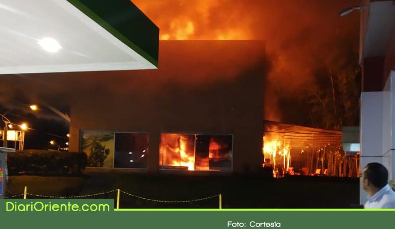 Photo of Incendio en mall de Rionegro solo dejó pérdidas económicas