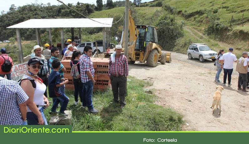 Photo of $22 mil millones para la pavimentación de la vía Barbosa – Concepción