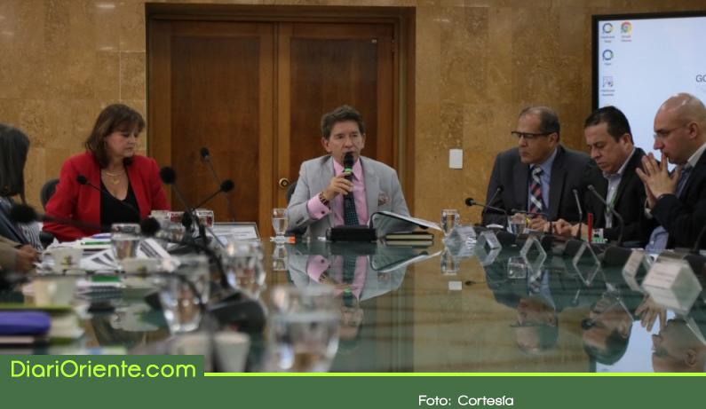 Photo of Gobernador expide decreto que prohíbe consumo de droga de 6 am a 10 pm en el espacio público