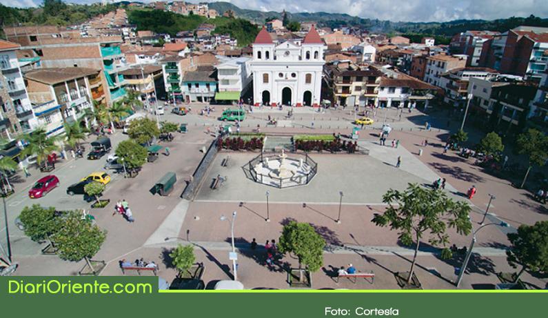Photo of En El Santuario se crea la primera política pública de confección y moda de Colombia