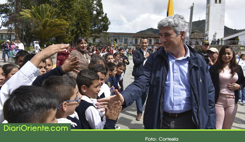 Photo of Ministros de Salud y Cultura, visitaron varios municipios del Oriente Antioqueño