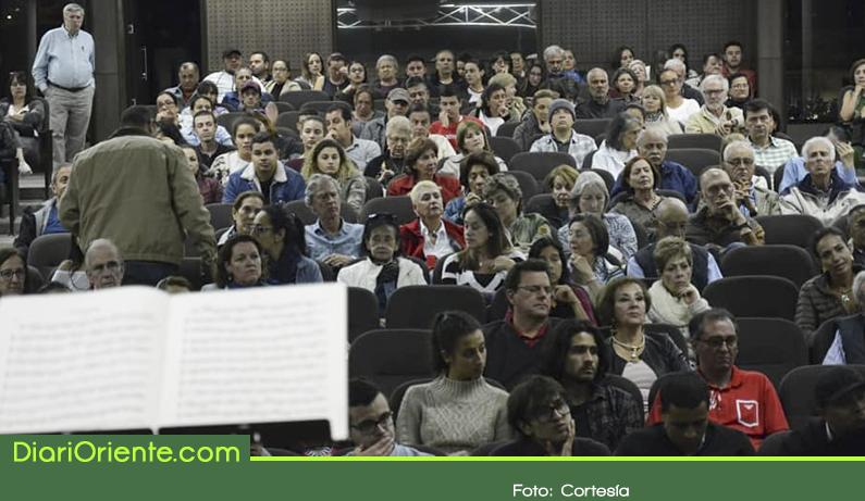 Photo of Fue reabierto el teatro municipal de El Retiro