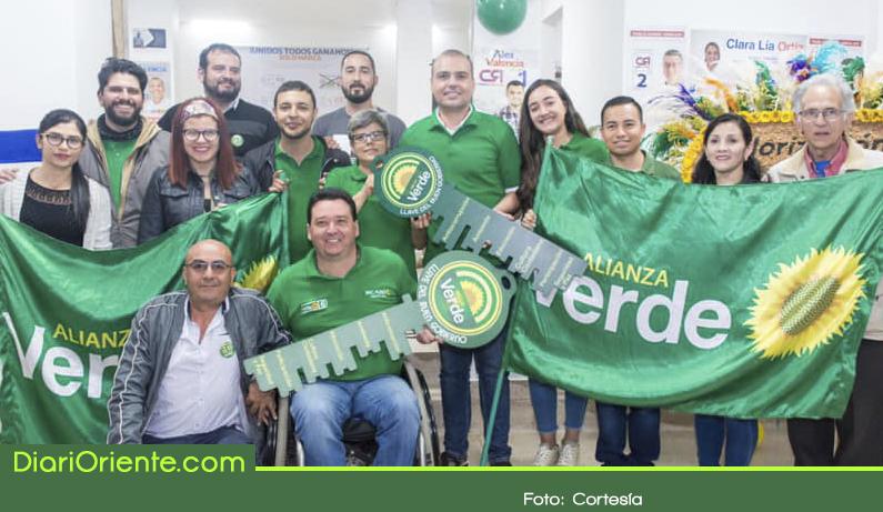 """Photo of Partido Alianza Verde entregó la """"llave del buen gobierno"""" a Fernando Valencia"""